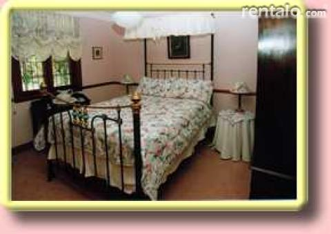 Granny's Cottage - Bed and Breakfast in Gosford