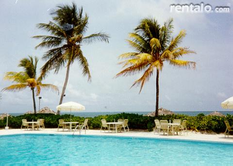 Coral Beach Oceanfront Studio in the Bahamas - Vacation Rental in Grand Bahama