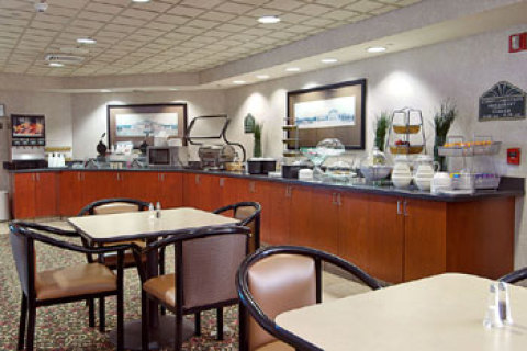 Wingate by Wyndham - Greensboro