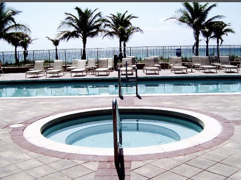 2080 S. Ocean Dr - Vacation Rental in Hallandale