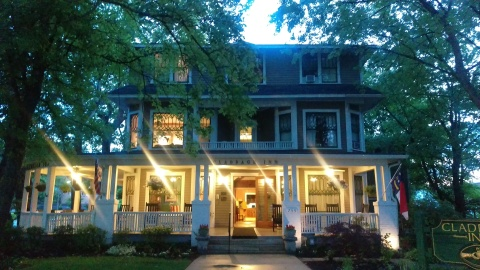 The Claddagh Inn - Bed and Breakfast in Hendersonville