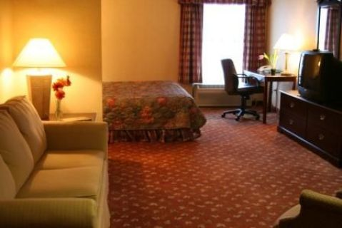 COUNTRY INN SUITES HOLYOKE