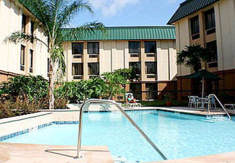 Courtyard by Marriott - Brookhollow
