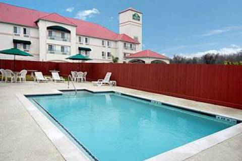 Country Inn & Suites Houston Hobby Airport