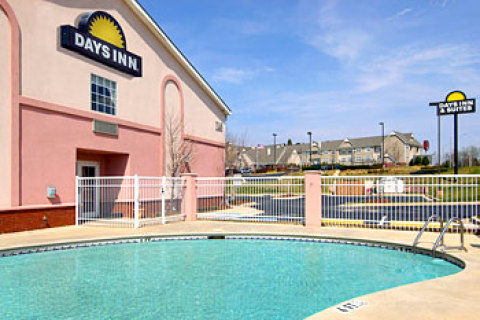 Huntsville AL Days Inn & Suites