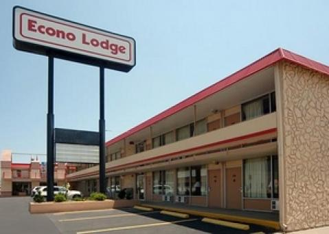 Econo Lodge - Hotel in Hutchinson