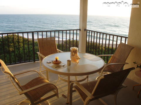 Hutchinson Island Oceanfront Condo - Vacation Rental in Hutchinson Island