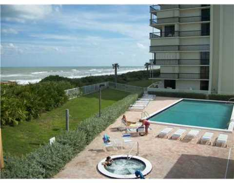 Beautiful oceanfront condo available on Hutchinson - Vacation Rental in Hutchinson Island