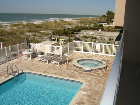 OCEANSIDE BEACH FRONT CONDO'S #204 - Vacation Rental in Indian Rocks Beach