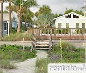 Beachfront Cottage - Vacation Rental in Indian Rocks Beach