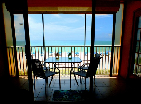 MODERN LOVELY 3 brm condo direct view to Gulf - Vacation Rental in Indian Shores