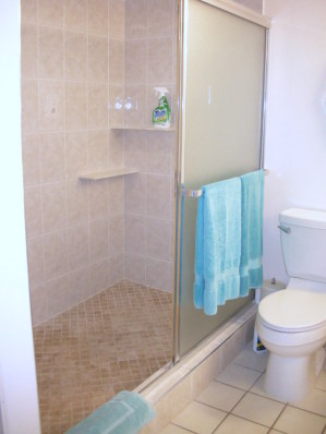 huge bathroom / double sinks / huge walk-in shower