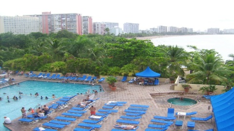 Isla Verde Puerto Rico Spacious Studio Ocean View - Vacation Rental in Isla Verde