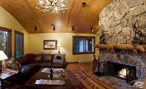 Tuckaway - Ski In/Out or Summertime Seclusion - Vacation Rental in Jackson Hole