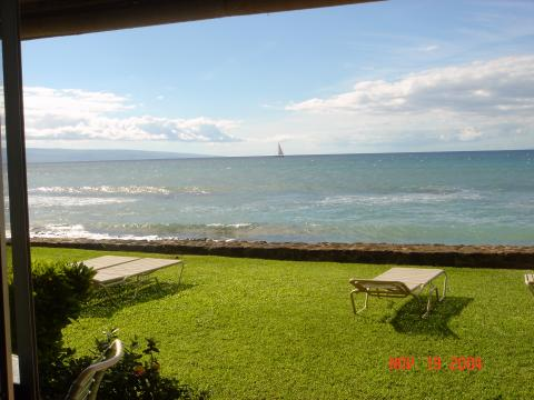 BEACHFRONT! 1 bedroom condo - Vacation Rental in Kaanapali