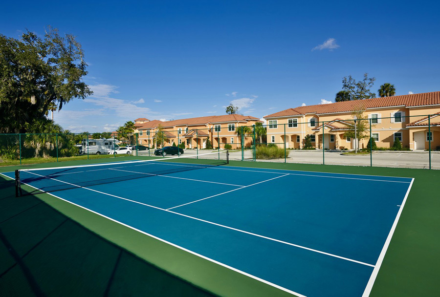 Regal Oaks resort tennis court