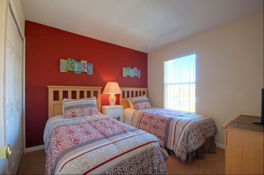 regal oaks townhome child bedroom