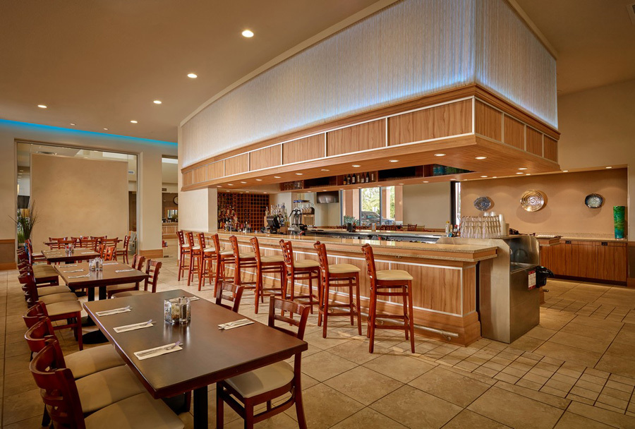 Regal Oaks resort dining
