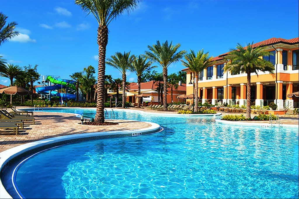 Regal Oaks resort pool complex