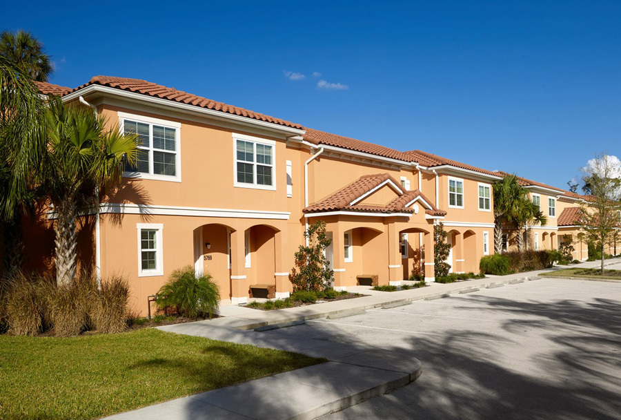 Regal Oaks resort townhomes