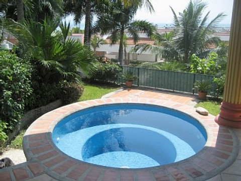 Romantic 1 BR Hideaway, Pool, Steps to Beach - Vacation Rental in La Cruz De Huanacaxtle