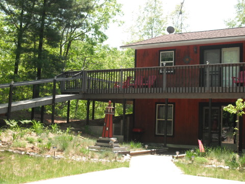 Hill Top Cottage - Vacation Rental in Lake Michigan