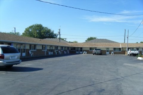 The Sun Parlor Motel - Hotel in Leamington