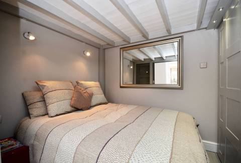 stylish studio flat in Earls Court - Vacation Rental in London