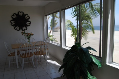 Beachfront Stay with October/November Discounts - Vacation Rental in Long Beach