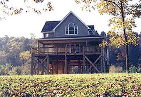 The Riverhouse - Vacation Rental in Luray
