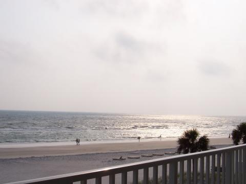 Collwood Gulffront Condo - Vacation Rental in Madeira Beach
