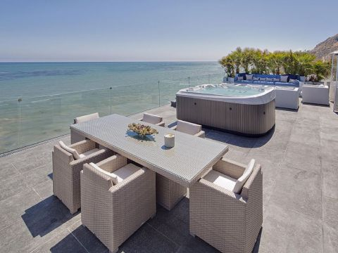 Luxury Malibu Beachfront - Vacation Rental in Malibu