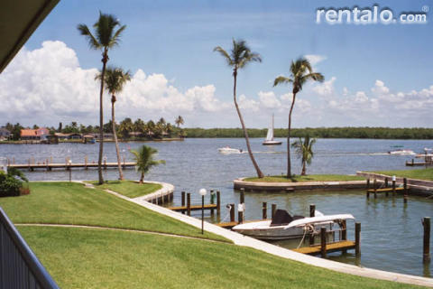 Villa on Marco River - Large dock to fish - Vacation Rental in Marco Island