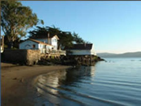 Blue Baie Beach Cottage - Vacation Rental in Marshall