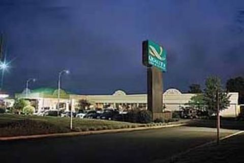 QUALITY INN AND STS CONF CTR