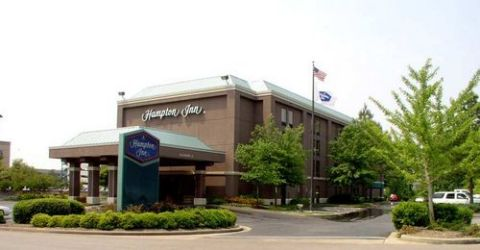 HAMPTON INN MEM WALNUT GR