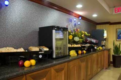 Clarion Collections Las Palmas Hotel & Suites