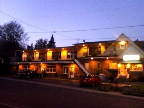 Quaint 23 Room Motel in Cornwall, ON - Hotel in Mississauga