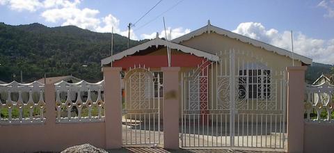 Pleasing Montego Bay Home House Coastal Village Life Just Beyond Download Free Architecture Designs Intelgarnamadebymaigaardcom