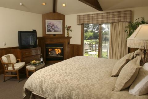 Lighthouse Lodge & Suites - Hotel in Monterey