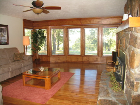 Deer Run Guest House & Cabins - Vacation Rental in Mountain Home