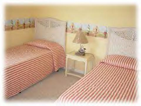 Kids bedroom -  Twin beds with beach view