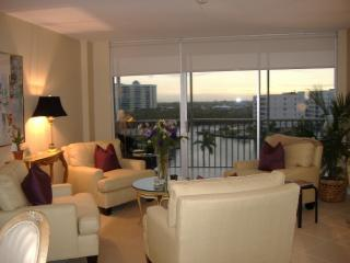 Naples Florida Vanderbilt Towers 3   #710 - Vacation Rental in Naples
