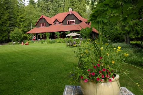 Wedgwood Manor Country Inn - Bed and Breakfast in Nelson