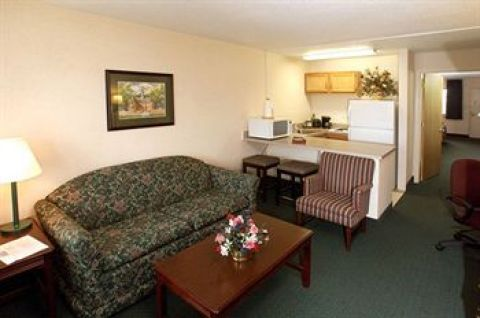 Point Plaza Suites Newport News