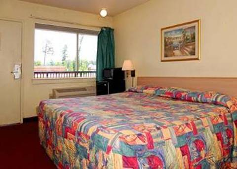 Econo Lodge Oyster Point