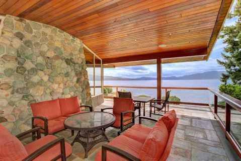 Incredible 6 Bedroom 6 Bath Oceanfront Lodge with  - Vacation Rental in North Saanich