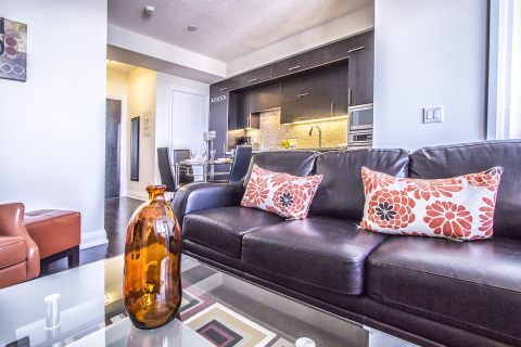Mary-am Suites - Hullmark Centre Luxury 1 BD Suite - Vacation Rental in North York