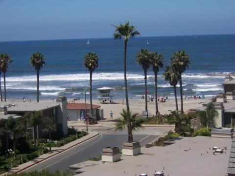 Beach Resort Vacation Condos at the sand. - Vacation Rental in Oceanside