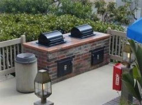 Barbecue area - Oceanside Vacation Condos